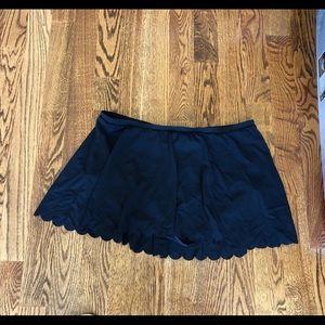 Black Swim Skirt with scalloped edge, Torrid, 3X
